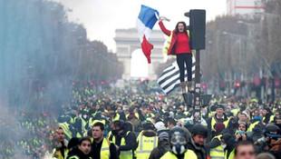 Fransa'da yeni kriz ! Doktorlar da sokağa indi