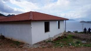 Marmaris'te kaçak 3 ev daha yıkıldı