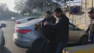 Çakarlı magandanın aracında buldukları polisi de şaşırttı