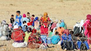 5 günde 80 bin Suriyeli Türkiye sınırı yakınlarına göç etti