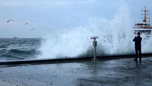İstanbullular dikkat ! Deniz ulaşımına lodos engeli
