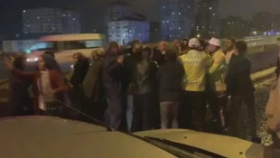 İstanbul'da dün gece! Polis zor ayırdı