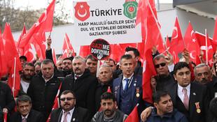 Gazilerden maaş kesintisi protestosu