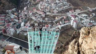 Türkiye ve Avrupa'nın en yükseği... Ziyaretçi akınına uğruyor !