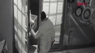 İstanbul'da film gibi soygun kamerada!