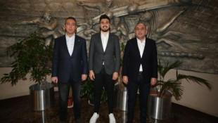 Fenerbahçe, Ozan Tufan'ın sözleşmesini uzattı