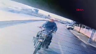 İstanbul'da inanılmaz motosiklet kazası kamerada