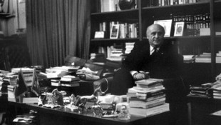 Süleyman Demirel'in ofisi satışa çıkarıldı