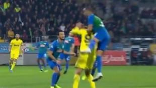 Çaykur Rizespor - Fenerbahçe maçında penaltı iddiası