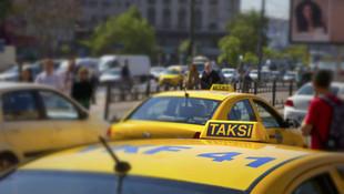 Yine taksi yine aynı sorun ! Türk yolcuları taksiye almadılar