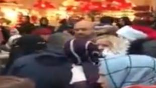 'Müslüman ülkede Noel Baba'nın ne işi var' dedi, çalışanının üzerine yürüdü