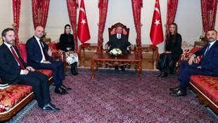 ''Okan Kurt hangi vasıfla Erdoğan'ın karşısına oturdu ?''