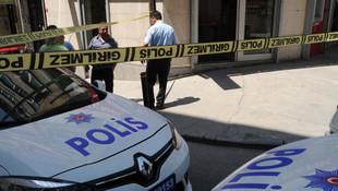 Bankayı soyup bomba bıraktı ! Müşteriler ve çalışanlar kurtarılmayı bekliyo