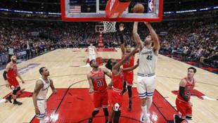 Chicago Bulls-Milwaukee Bucks: 102-123 (Ersan İlyasova double-double yaptı)