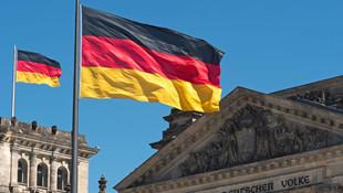Almanya Rus diplomatları sınır dışı etti