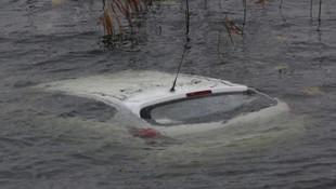 Yoldan çıkan araç göle uçtu