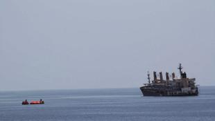 Petrol gemisine korsan saldırısı: 1'i Türk 19 kişi kaçırıldı