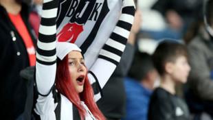 Beşiktaş Kulübü'nden kadın taraftarlarına jest
