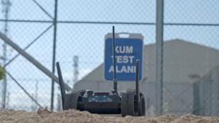 Türkiye'nin insansız kara aracı sahaya iniyor