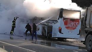 Yine bir otobüs yangını! Yolcu otobüsü alevler içinde kaldı