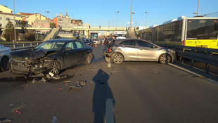 İş çıkışı trafik yine felç oldu ! D-100 karayolunda kaza: 2 yaralı
