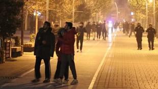 Gece yarısı vatandaşı sokağa döken deprem! Bolu sallandı!