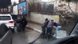 İstanbul'da maganda terörü ! 6 kişi bir kişiye saldırdı