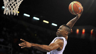 Russell Westbrook NBA tarihine geçti