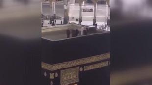 Prens'ten İslam alemini sarsan hareket: Kâbe'nin çatısına çıkıp...