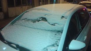 İstanbul'un yanıbaşında kar yağışı !