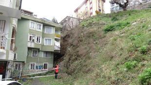 İstanbul'da toprak kayması: 4 daire mühürlendi