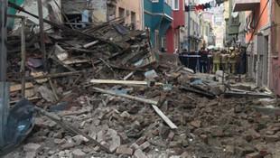 İstanbul'da 3 katlı bir bina daha çöktü