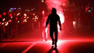 Türk ve İslam karşıtları sokağa indi