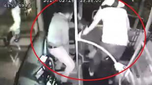 Otobüsü karıştıran taciz ! Döve döve polise teslim ettiler