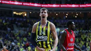 Fenerbahçe Beko, Vesely'nin sözleşmesini 3 yıl uzattı