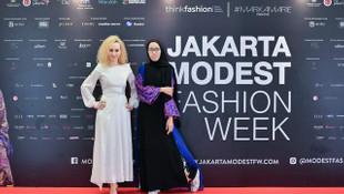 ''Dünya Kadınlar Günü'' ve İyi İçin Moda Konsepti Kutlanıyor