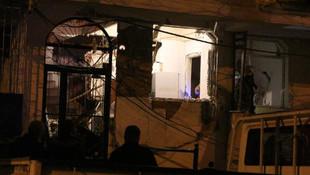Bahçelievler'de evde patlama ! Ortalık savaş alanına döndü