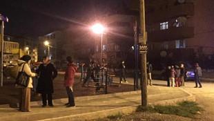 Vatandaş kendini sokağa attı ! Çanakkale'de deprem