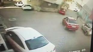 Üsküdar'da dehşet ! Otomobil ile duvar arasında sıkıştı