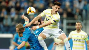 Zenit - Fenerbahçe maçında Eljif Elmas penaltı bekledi, hakem oyunu devam ettirdi