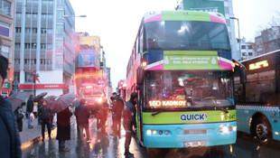 İstanbul'da garip olay: ''Bebeğim orada'' dedi otobüsün altına girdi !