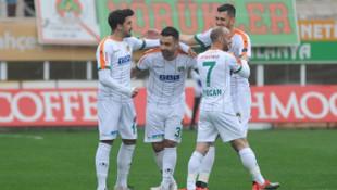 Alanyaspor 2 - 0 Kasımpaşa (Süper Lig Puan Durumu)