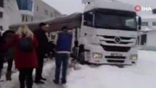 İstanbul'da kardan mahsur kaldılar