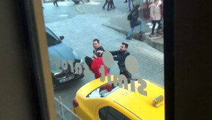 Taksim'de taksiciler birbirine girdi