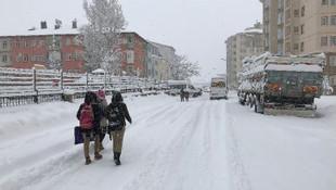 Meteoroloji uzmanı uyardı ! Kar geri mi dönüyor ?