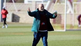 Kayserispor'da futbolculara Hikmet Karaman'dan sürpriz