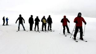Yalnızçam'da kayak için yapılabilecek her şey var