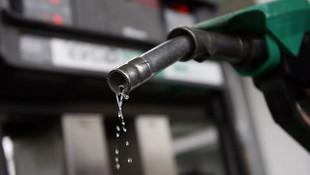 Benzin fiyatlarını düşürdü