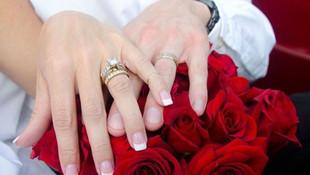 Bu bir rekor: 3 dakikalık kocasına boşanma davası açtı
