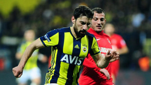 Fenerbahçe'de Şener Özbayraklı 28 kişilik kadroya Ersun Yanal'ın kararıyla yazıldı